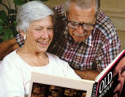 aide à la personne à domicile accompagnement personne âgée handicapée